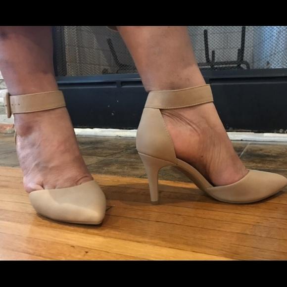 e665f9d26fae Comfort Nude heels. M 5b83586b12995525c4a87d89